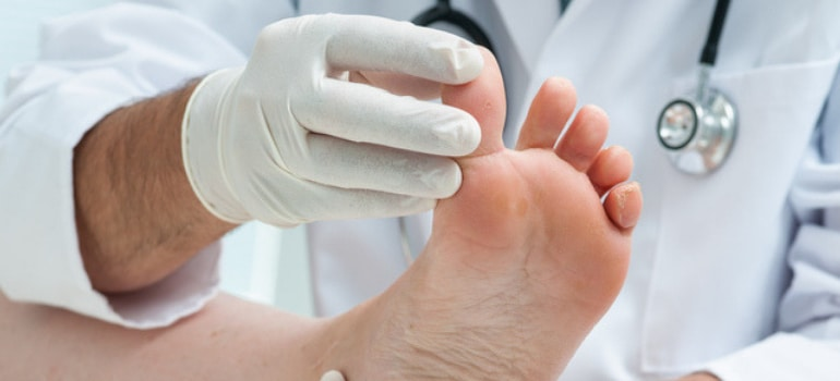 Broken vs  Sprained Toe: How to Tell the Difference | The
